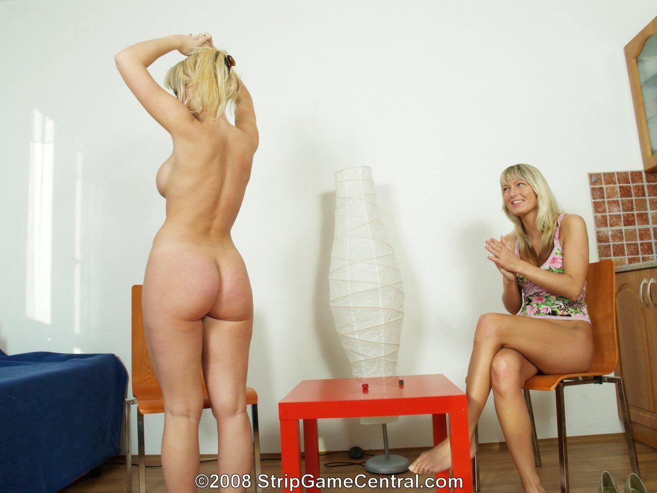 StripGameCentral:Nudity in strip games